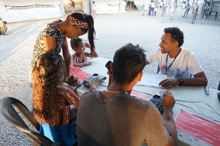 Now David helps close to 100 people to place free call everyday in Boa Vista
